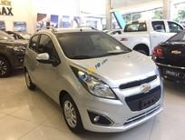 Chỉ cần trả trước 48 triệu (đủ điều kiện) sở hữu ngay xe Chevrolet Spark LT 1.2L màu bạc - LH: 0945.307.489