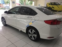 Cần bán gấp Honda City 1.5AT sản xuất năm 2015, màu trắng