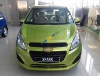 Chỉ cần trả trước 45 triệu (đủ điều kiện) sở hữu ngay xe Chevrolet Spark LS 1.2L màu xanh nõn chuối - LH: 0945.307.489