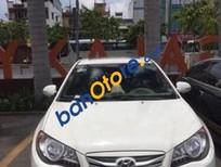 Chính chủ bán lại xe Hyundai Avante AT đời 2012, màu trắng