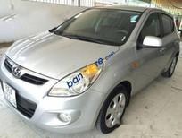 Bán Hyundai i20 AT đời 2011, màu bạc