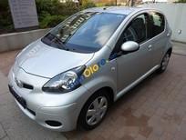 Cần bán xe Toyota Aygo đời 2010, màu bạc, đăng ký năm 2011, nữ lái, xe giữ cẩn thận