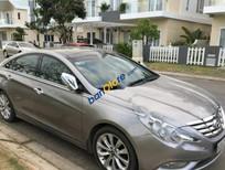 Cần bán xe Hyundai Sonata đời 2011, xe có bảo hiểm vật chất và phí đường bộ đến 2018