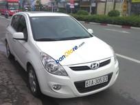 Cần bán xe Hyundai i20 sản xuất năm 2010, màu trắng, xe nhập