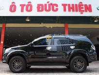 Bán Toyota Fortuner V 4x2AT đời 2015, màu đen, giá 905tr