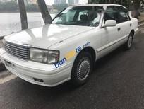 Cần bán gấp Toyota Crown năm 1996, màu trắng, nhập khẩu nguyên chiếc giá cạnh tranh