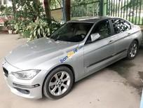 Bán xe BMW 3 Series 328i đời 2013, xe gia đình ít đi còn mới, nội thật hoàn hảo theo xe