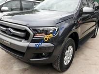 Cần bán xe Ford Ranger XLS 2.2 AT sản xuất 2017, màu đen, chưa sơn 1 lần nào
