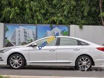 Cần bán gấp Hyundai Sonata sản xuất năm 2015, màu trắng, giá 850tr