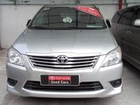 Bán Toyota Innova 2.0E 2012, màu bạc