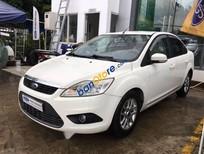 Cần bán gấp Ford Focus 1.8L sản xuất 2010, màu trắng số sàn, giá tốt