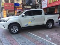 Cần bán lại xe Toyota Hilux đời 2016, xe tên công ty, xuất được hoá đơn cao