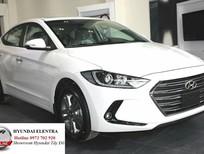 Bán xe Hyundai Elantra Elantra 1.6 số sàn 2017, màu trắng, giá tốt
