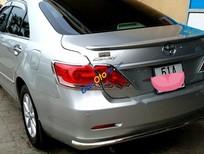 Bán lại xe Toyota Camry 2.4G đời 2012, màu bạc xe gia đình