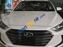 Bán xe Hyundai Elantra sản xuất năm 2017, màu trắng, giá chỉ 560 triệu