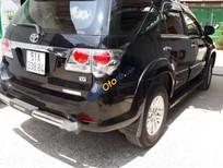 Bán Toyota Fortuner V sản xuất 2012, màu đen số tự động, 670tr