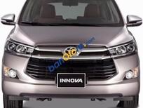 Cần bán xe Toyota Innova V năm sản xuất 2017, giá chỉ 995 triệu