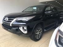 Cần bán xe Toyota Fortuner 4x4 AT 2018, màu đen, nhập khẩu chính hãng