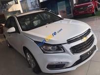 Cần bán xe Chevrolet Cruze 1.6 MT 2017, màu trắng