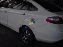Cần bán gấp Ford Fiesta đời 2011, màu trắng, nhập khẩu nguyên chiếc xe gia đình
