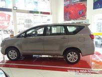Toyota Tân Cảng- Bán xe Innova 2.0G AT tự động, ưu đãi nhiều gói quà tặng-trả trước 180tr vay 90% lấy xe-0933000600