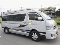 Cần bán Toyota Hiace đời 2013, màu bạc, nhập khẩu nguyên chiếc xe gia đình, giá chỉ 673 triệu