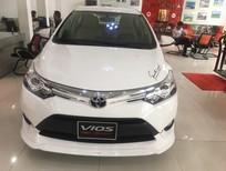 Cần bán xe Toyota Vios TRD đời 2018, màu trắng, giá chỉ 560 triệu