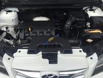 Bán xe Hyundai Avante 1.6 MT sản xuất 2013, màu trắng xe gia đình