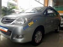 Bán ô tô Toyota Innova 2.0V đời 2008, màu bạc xe gia đình