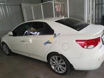 Cần bán Kia Forte sản xuất 2011, màu trắng, 400 triệu