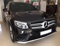 Cần bán Mercedes GLC 300, màu đen, sản xuất 2016