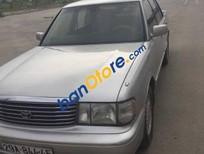 Cần bán xe Toyota Crown đời 1992, màu bạc