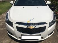 Em cần bán xe Chevrolet Cruze LS 2013 số sàn màu trắng