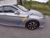 Cần bán xe Honda Accord 2.4L đời 2017, màu bạc, xe đẹp
