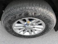 Bán Toyota Hilux MT 4x4 đời 2015, màu bạc, xe nhập
