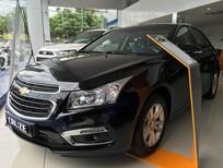 Cần bán xe Chevrolet Cruze Lt 2017, màu đen, hỗ trợ vay 100%, LH: 09.386.33.586