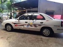 Bán xe Daewoo Nubira II 1.6 MT đời 2002, màu trắng chính chủ