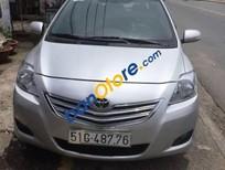 Cần bán xe Toyota Vios 2010, màu bạc