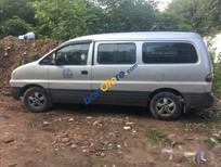 Bán lại xe Hyundai Grand Starex đời 2004, màu bạc chính chủ, giá 222tr