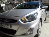 Cần bán lại xe Hyundai Accent đời 2013, màu bạc số sàn