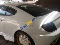 Cần bán xe Hyundai Tuscani năm 2005, màu trắng chính chủ, giá chỉ 360 triệu