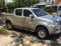 Cần bán Toyota Hilux 3.0G 4x4 MT đời 2012, màu bạc, nhập khẩu số sàn, 472tr