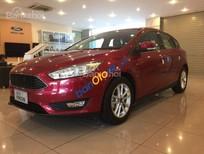 Cần bán xe Ford Focus Trend sản xuất năm 2017, màu đỏ, nhập khẩu nguyên chiếc