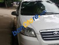 Cần bán gấp Daewoo Gentra đời 2010, màu trắng, nhập khẩu xe gia đình