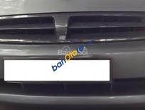 Cần bán gấp Kia Spectra sản xuất năm 2004, màu bạc xe gia đình