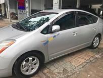 Cần bán gấp Toyota Prius 1.5 đời 2010, màu bạc, nhập khẩu, 600tr