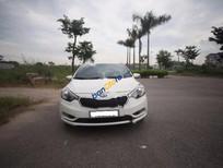 Cần bán lại xe Kia K3 2.0 đời 2015, màu trắng, giá chỉ 575 triệu