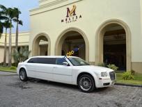 Cần bán lại xe Chrysler 300C Limousine 2010, màu trắng, nhập khẩu nguyên chiếc