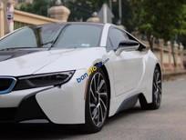 Bán xe BMW i8 sản xuất năm 2015, màu trắng, nhập khẩu nguyên chiếc