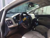 Cần bán xe Kia Rio đời 2012, màu trắng số tự động
